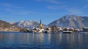 Rottach Egern au lac Tegernsee en hiver, Bavière, Allemagne banque de vidéos