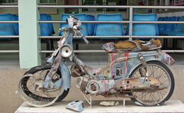 Rotten motorcycle Royalty Free Stock Photography