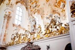 ROTTENBUCH TYSKLAND - JUNI 18: Inre av den Rottenbuch abbotsklosterkyrkan (Kloster Rottenbuch) Royaltyfria Bilder