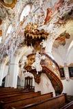 ROTTENBUCH TYSKLAND - JUNI 18: Inre av den Rottenbuch abbotsklosterkyrkan (Kloster Rottenbuch) Arkivbilder