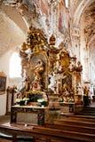 ROTTENBUCH TYSKLAND - JUNI 18: Inre av den Rottenbuch abbotsklosterkyrkan (Kloster Rottenbuch) Arkivbild
