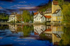 Rottenburg durch den Fluss Neckar lizenzfreie stockfotografie