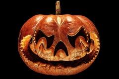 Rottend, enge Halloween-pompoen die op een Chinese draak lijken hij royalty-vrije stock fotografie