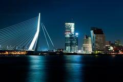 Rotterdam bij schemer Royalty-vrije Stock Afbeeldingen