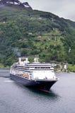ROTTERDAM de Holland America Line en Geirangerfjord, Noruega Imagen de archivo