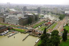 Rotterdam-Hafen, vom Fernsehturm Stockbilder