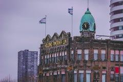 Rotterdam, Holanda Meridional/los Países Bajos - 17 de marzo de 2018: Edificio histórico del hotel Nueva York Holland America Cru imagen de archivo libre de regalías
