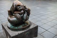ROTTERDAM, holandie - SIERPIEŃ 25: Sławna miasto rzeźba od brązu na Sierpień 25, 2015 w Amsterdam Fotografia Stock