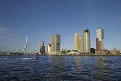 Rotterdam horisont med bron Arkivbilder