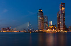 Rotterdam horisont med kontorsbyggnader Royaltyfri Foto