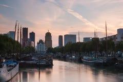 Rotterdam horisont med kontorsbyggnader Fotografering för Bildbyråer