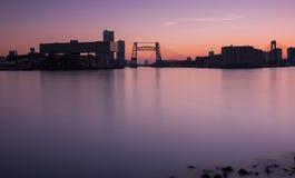 Rotterdam horisont på solnedgången Fotografering för Bildbyråer