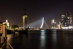 Rotterdam horisont vid natt Arkivbilder
