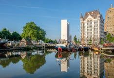 Rotterdam miasta pejzażu miejskiego linia horyzontu z, Oude przystań, holandie Zdjęcie Royalty Free