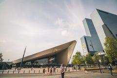 Rotterdam Nederländerna - Circa 2018: Rotterdam Centraal station royaltyfri foto