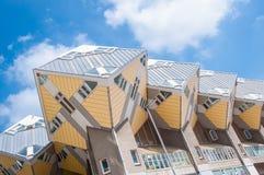 ROTTERDAM Nederländerna - Maj 9: Kubhus Arkivbilder
