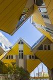Rotterdam Nederländerna - Maj 11, 2017: Modern byggnadsstad Fotografering för Bildbyråer