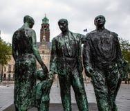 ROTTERDAM, NEDERLAND - AUGUSTUS 25: Beroemd stadsbeeldhouwwerk van brons op 25 Augustus, 2015 in Amsterdam Royalty-vrije Stock Afbeelding