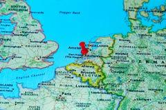 Rotterdam, Nederland op een kaart van Europa wordt gespeld dat Stock Fotografie