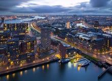 Rotterdam på natten Royaltyfri Fotografi