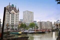 ROTTERDAM, PAYS-BAS - 18 AOÛT : Rotterdam est un mode de ville Images libres de droits