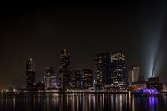 Rotterdam Rijnhaven en la noche imágenes de archivo libres de regalías