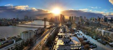 Rotterdam solnedgångpanorama Arkivfoton