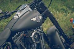 ROTTERDAM SOM ÄR NEDERLÄNDSK - SEPTEMBER 2 2018: Motorcyklar är shinien arkivfoton