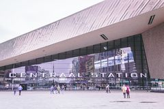 Rotterdam, Zuid-Holland/Nederland - 17 Maart 2018: Hoofdingangs Centraal Station Stock Afbeeldingen