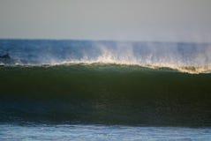 Rottura dell'onda immagine stock