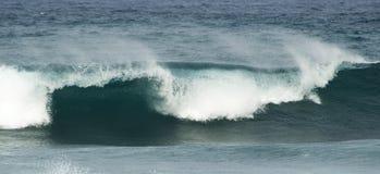 Rottura delle onde di oceano fotografia stock