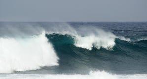 Rottura delle onde di oceano immagine stock libera da diritti