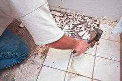 Rottura in su delle mattonelle di pavimento #2 Fotografia Stock Libera da Diritti