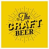 Rotulação do vintage da cerveja do ofício no fundo amarelo Fotos de Stock Royalty Free