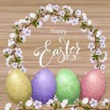 Rotulação feliz da Páscoa, ovos coloridos pintados Feriados da mola, fundo da Páscoa, árvore da flor Fotos de Stock