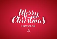 Rotulação no estilo popular do ` do ano novo feliz do Feliz Natal do ` Letras do Livro Branco com uma sombra em um fundo vermelho Imagens de Stock Royalty Free