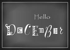 A rotulação olá! de dezembro com letras diferentes no branco no fundo escuro estilizou como a rotulação do giz ilustração royalty free
