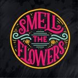 Rotulando citações sobre flores, ilustração feita no vetor O cartão, o convite e o t-shirt projetam com composição handdrawn ilustração royalty free