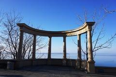 Rotunda dans une ville d'hiver Image stock