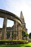 Rotunda de Jalisciences e de catedral em México foto de stock royalty free