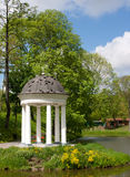 Rotunda sur le rivage Images stock