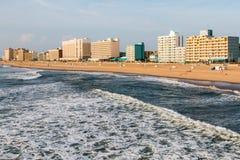 Roturas del día en Virginia Beach Oceanfront imagen de archivo