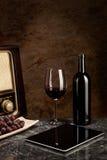 Rotwein-, alte und neuetechnologie Lizenzfreie Stockbilder