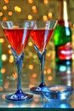 Rotwein in den Gläsern stockbilder