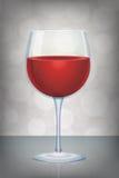 Rotweinglas mit mystischem abstraktem Hintergrund Lizenzfreie Stockbilder