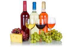 Rotweinkäse-Weintraubealkohol Rose lokalisiert auf Weiß stockfotografie