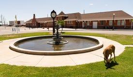Rotwild-Marktplatz-Brunnen-Eisenbahn-Depot Cheyenne Wyoming Stockbild