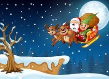 Rotwildkarikatur, die im Hügel nachts Weihnachtssteht stock abbildung
