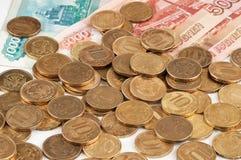 Roubles russes de billets de banque et pièces de monnaie Photographie stock
