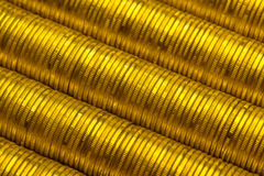 Roubles russes de pile de fond de pièces d'or en métal Images libres de droits